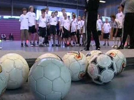 Fußballtalente werden getestet -